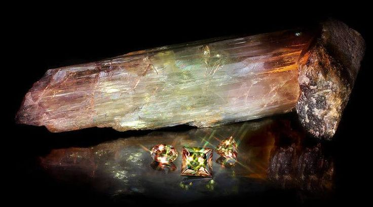 Zultanit Taşı (Zultanite) ve Faydaları   Değerli Taşlar