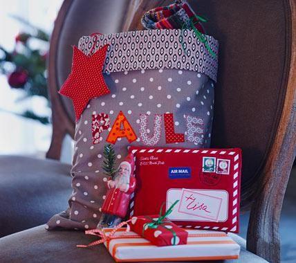 Hier hat der Nikolaus gleich ein ganzes Säckchen als Überraschung abgestellt! Schön und sehr praktisch, denn in den Beutel passt mehr hinein: kleine...