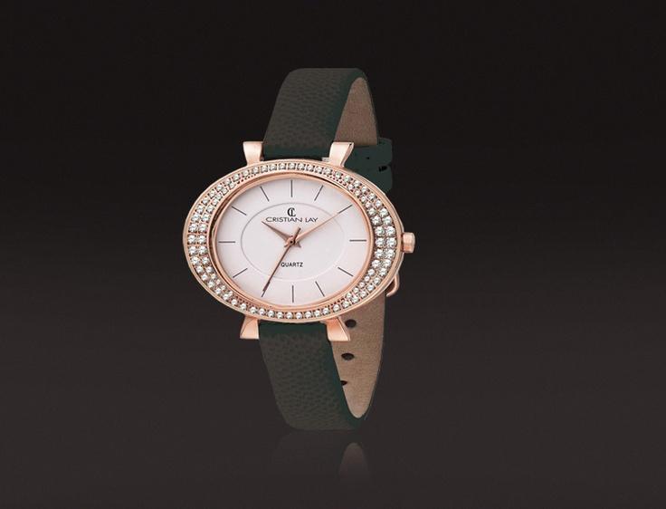 Reloj con caja de ACERO chapado especial I.P. en oro rosa.