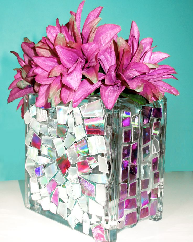 How to upcycle CDs into pretty mosaic