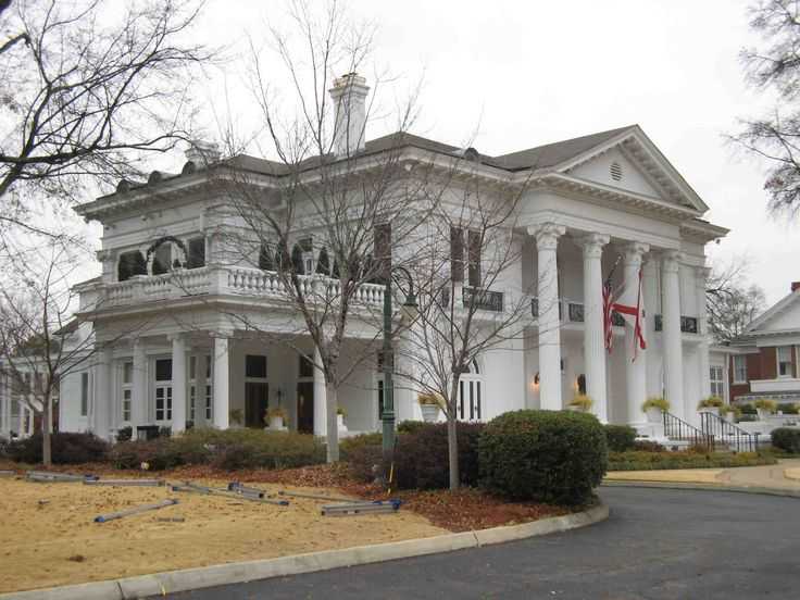 I chose this Neo-Classical house because of the balance and symmetry.