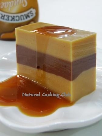 Pudding Lapis Karamel Cokelat. The link doesn't work but it looks Delish