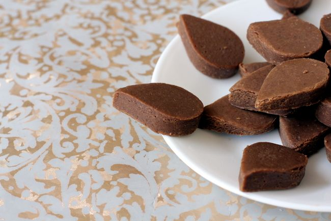 Homemade Chocolate is an easy recipe and is a great kids snack. Learn how to make homemade chocolate and other fun chocolate recipes with cocoa powder.
