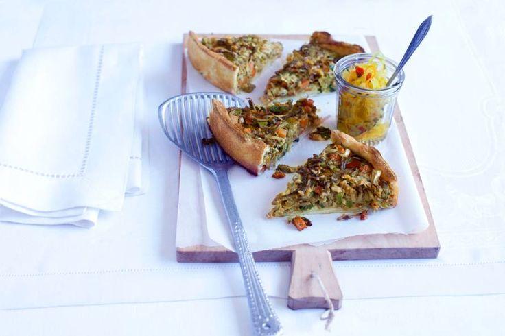24 november - Rundergehakt in de bonus - Een mix van de Franse (de quiche), de Hollandse (het gehakt) en de Indonesische keuken (de oosterse ingrediënten) - Recept - Allerhande