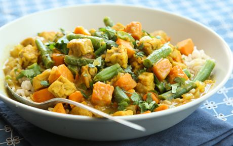Tempeh Curry with Sweet Potatoes and Green Beans