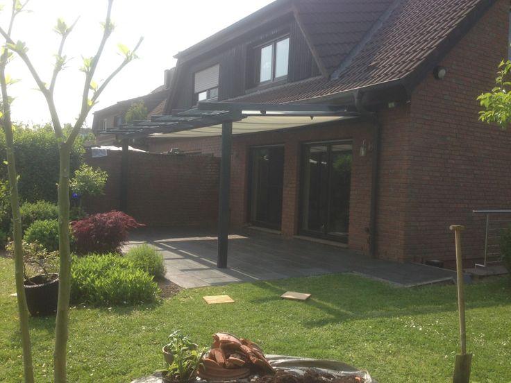 Terrassenüberdachung aus pulverbeschichteten Aluminiumprofilen mit Unterglas-Markise 3