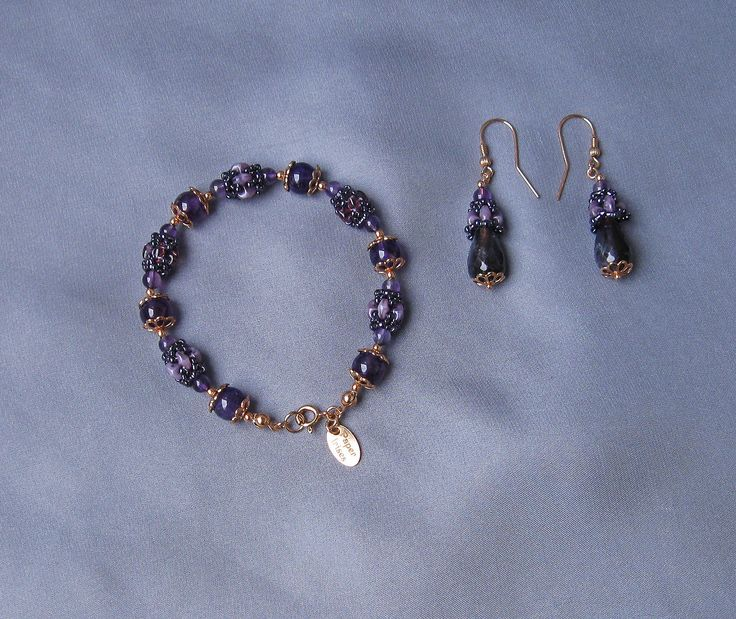 https://flic.kr/p/BQxGgQ | REGAL PURPLE AMETHYST. | Set : necklace, bracelet and earrings made of rose gold plated silver 925 with natural amethyst spheres and faceted tears , embroidered with PRECIOSA ORNELA and TOHO beads.