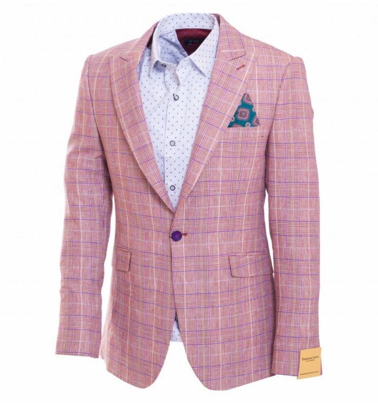 Розовый пиджак в клетку по супер выгодной цене 5943 руб, с бесплатной доставкой по Москве и России без предоплаты. В наличие размеры 52 56 46, приезжайте к нам в магазин!
