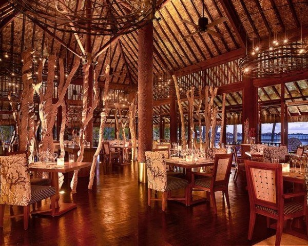 If my home was the four season in Bora Bora, this would be my dining room haha