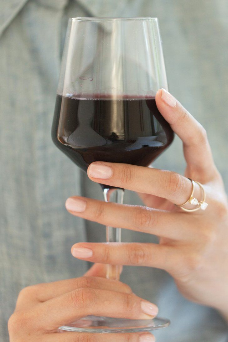 "Why Some Experts Believe Official Alcohol Guidelines For Pregnant Women Are ""Sexist"""