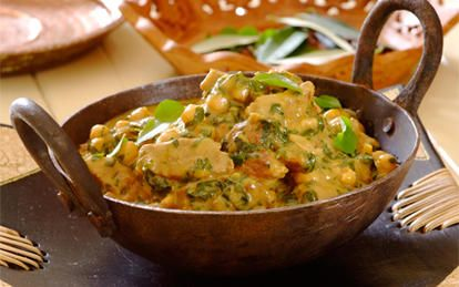 Creamy Beef, Spinach and Chickpea Curry - an exotic, slow-cooked dish with coconut milk.  Spice your dinner time up with KNORR Curry Flavour Stew Granules...