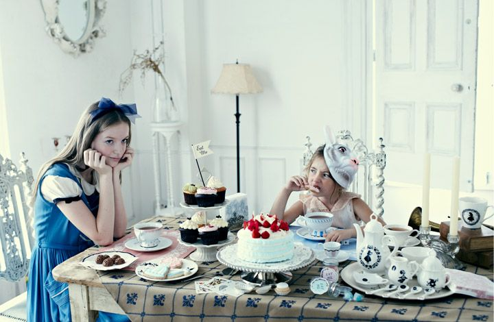 Afternoon Tea : Endless Tea Party with Alice.