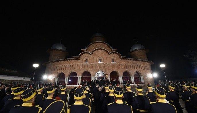 Funeraliile Regelui Mihai la Curtea de Arges