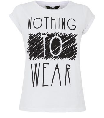 Teens. On casual days team this printed tee with ripped jeans and metallic plimsolls.- Simple short sleeves- Casual fit- Soft cotton fabric- Printed front