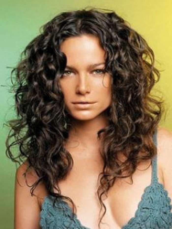 Tagli di capelli ricci per l'inverno 2015 - Capelli lunghi scalati