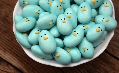 Sweet Easter blue birds by @SweetSugarBelle {Callye Alvarado} {Callye Alvarado} -- easily made with almonds and royal icing!