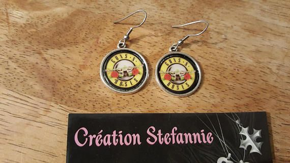 Guns'n'Roses jewelry on cabochon / Bijoux