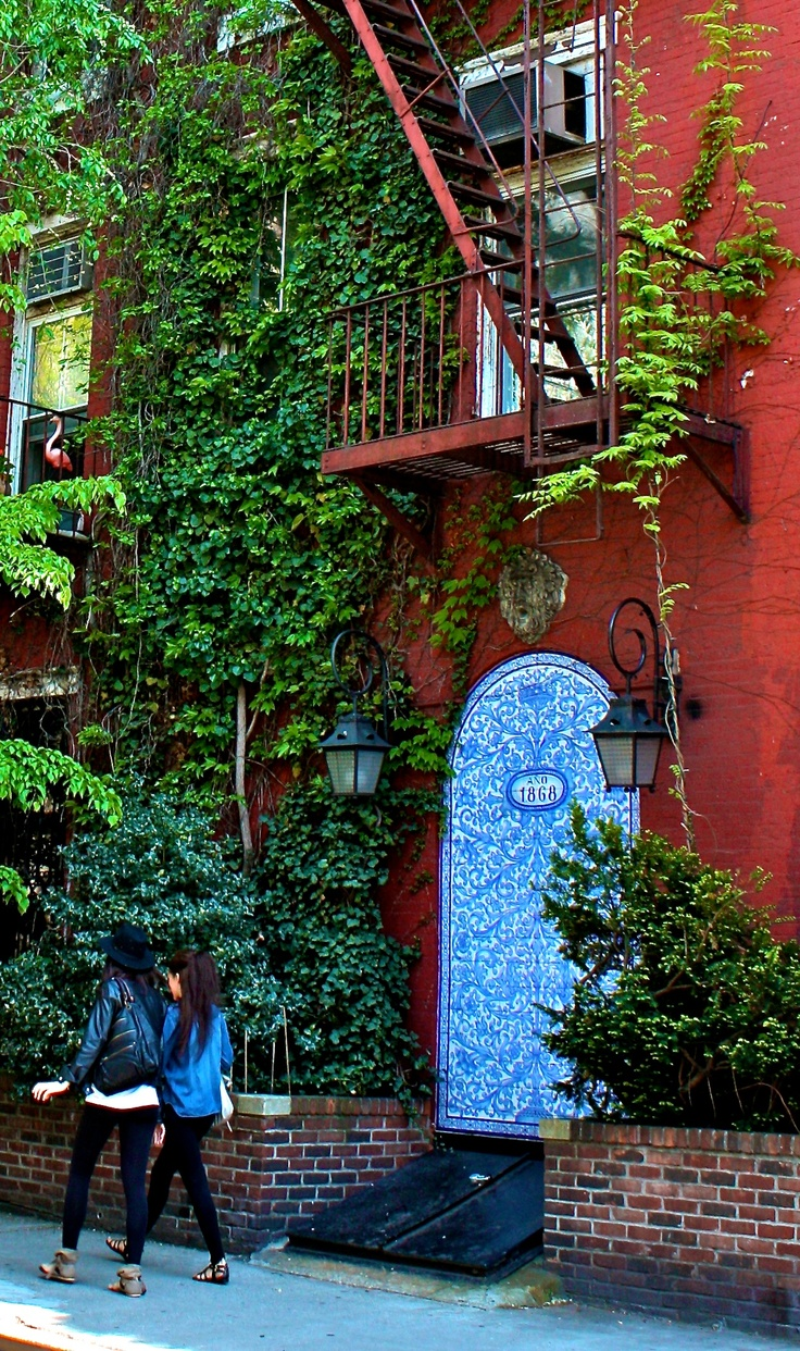 17 best images about new york city the urban lifestyle on pinterest green walls the go and. Black Bedroom Furniture Sets. Home Design Ideas