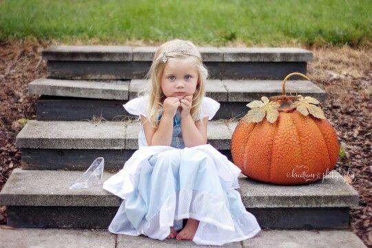 Kreations Photography / Toddler / Outdoor Photography / Cinderella Birthday/Disney Princess