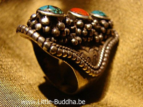 1000+ images about Oosterse ringen on Pinterest   Tibet, Lapis lazuli and Yoga