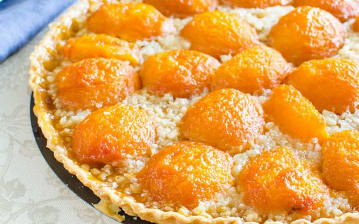 This apricot almond tart is jammy, crumbly, and the perfect balance between puckery and sweet, with the almonds adding a satisfying crunch.