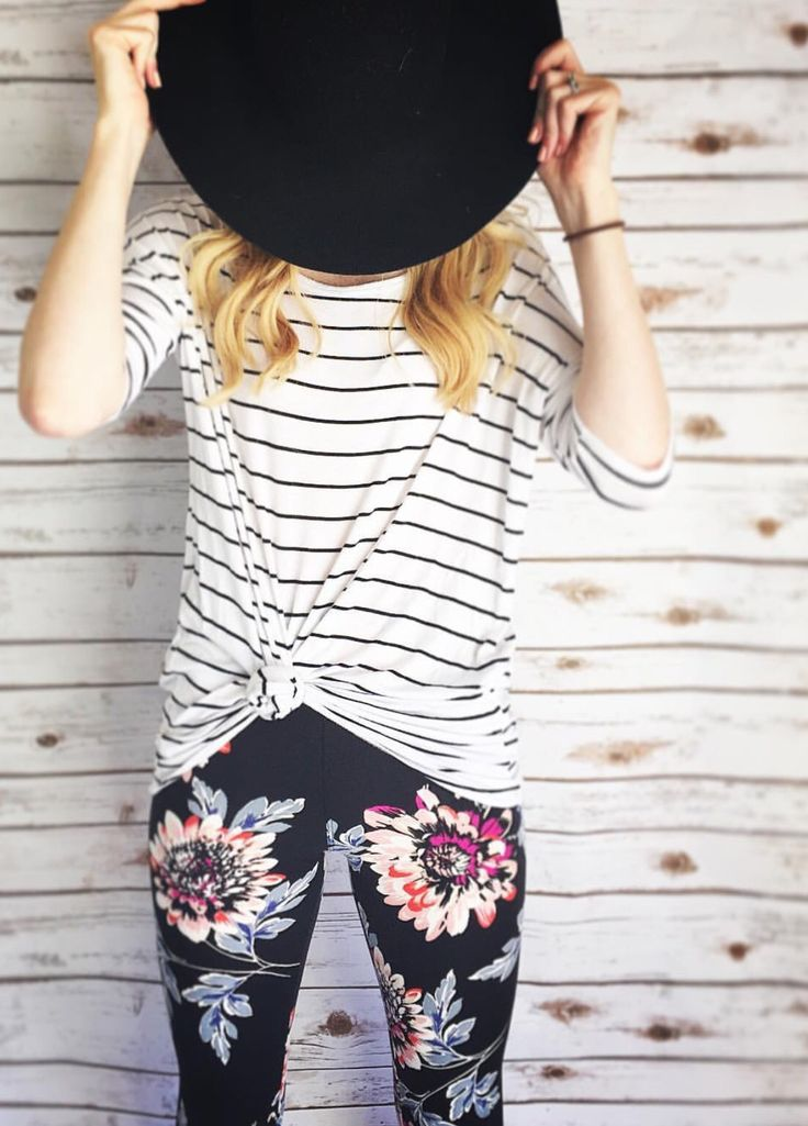 Sublime 60 LuLaRoe Outfit Ideas https://fazhion.co/2017/03/27/60-lularoe-outfit-ideas/ Tunics are created with leggings in mind. A blouse and pants by way of example will cause you to look short unless... 1). If your black dress has lots...
