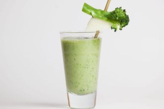 Lovely green smoothies. In Norwegian.