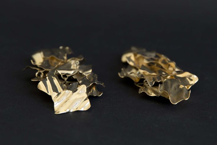 Gold plated brass clip-on earrings with dangly hammered rhombuses.