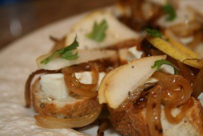 Caramelized Onions Pear & Brie