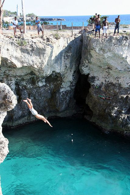 Cliff diving in #Jamaica A must for Jamaica! Our group loved Rick's Cafe