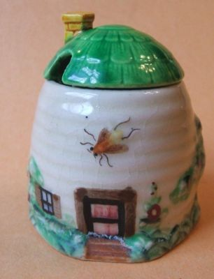 Vintage Occupied Japan Beehive Cottage Honey Pot with Lid,