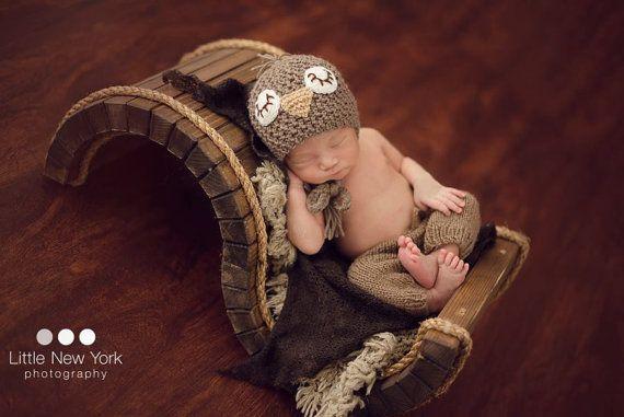 Gorritos y pantalones de punto para recién nacidos, tan actuales y divertidos como sofisticados. ¡Los compraría todos! https://www.etsy.com/es/listing/285445481/prop-foto-recien-nacido-sombrero-recien