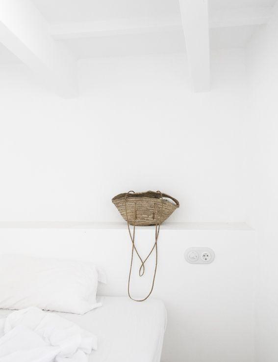♥ la tête de lit toute simple en maconnerie