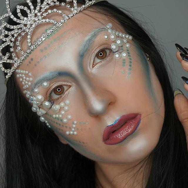 Nie będę teraz miała dość  Królowa syren z oceanu #halloween #halloweenmakeup #pearl #pearls #makeupcommunity #makeupartist #mermaidmakeup #polishgirl #polskadziewczyna #polskablogerka #l4l #f4f #goldenrose #goldenrosepolska #primark #makeuprevolution #sleekmakeup