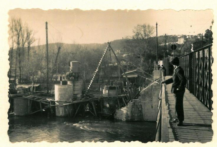 Início da construção da Ponte de Santa Clara