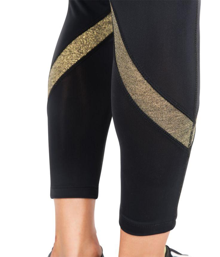 Sv: Träningstights i guld och svart En: Training Tights in gold and black