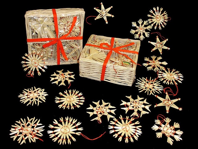 550 best Straw images on Pinterest  Christmas ornaments Handmade