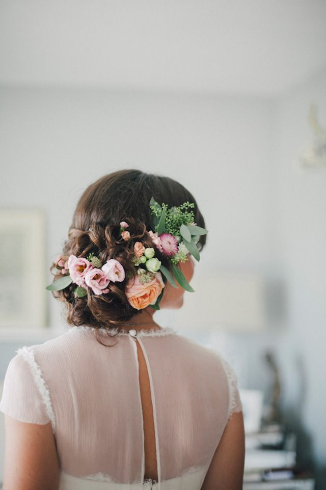 real flowers for bridal hair