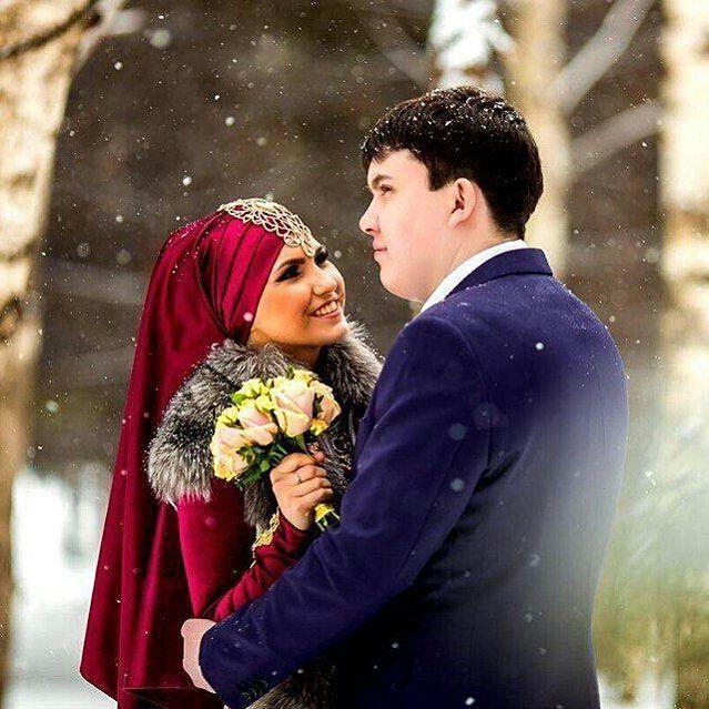 Such a romantic winter wedding, mashaAllah ♥♥♥ From the lovely @guzel_valishina ♥ . . . #nikah #nikkah #nikahsekeri #hijabers #muslim  #никах #gelinbuketi #halallove  #hijaboutfit #muslimahfashion #hijabmuslim #hijablove #hijaboftheday #hijaboftheworld #themodestymovement #muslimwedding #muslimweddings #fotopernikahan  #студия_хыял #хыял_кызлары #гузель_валишина #никах_челны