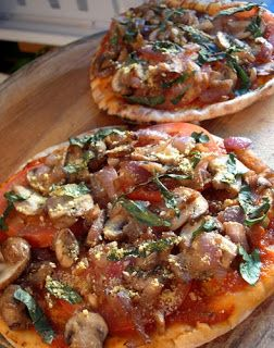 Committed to Get Fit: Mini Pita Pizzas
