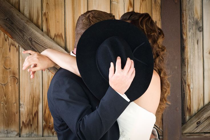 My boyfriends sister n law inspired me to really love this idea for a wedding picture!!