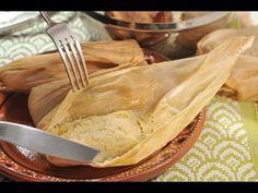 Tamales de elote. Estos sencillos tamalitos se pueden hacer con manteca en vez de mantequilla o con una mezcla de ambas. Excelentes como postre, acompañados con crema. También se pueden servir como plato salado, rellenándolos de pollo o rajas y bañándolos en salsa de jitomate o queso con salsa.
