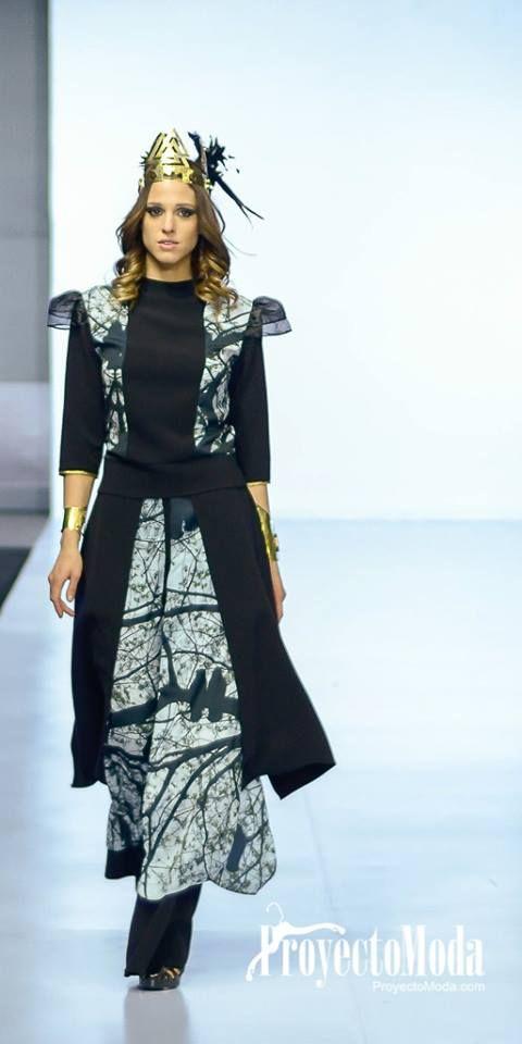 Fashion designer: Betty Guimaraes Jewelry designer: Bivet Jewelry