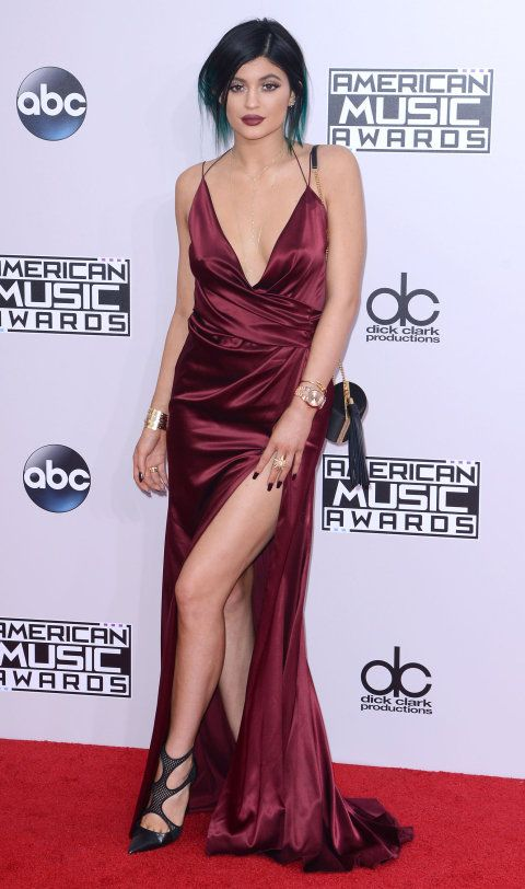 kylie jenner wearing alexander vauthier at the AMAs