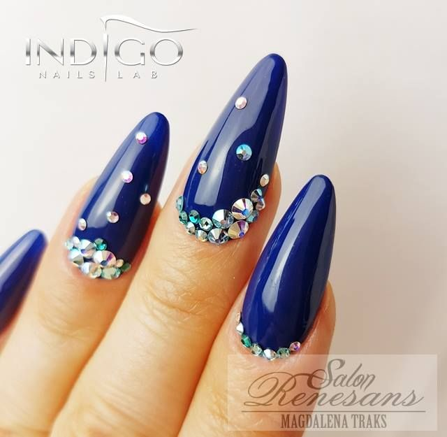Bleu indigo et Strasse