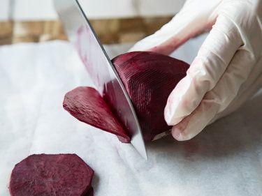 Rote Bete zubereiten – so schmeckt die Rübe richtig gut!
