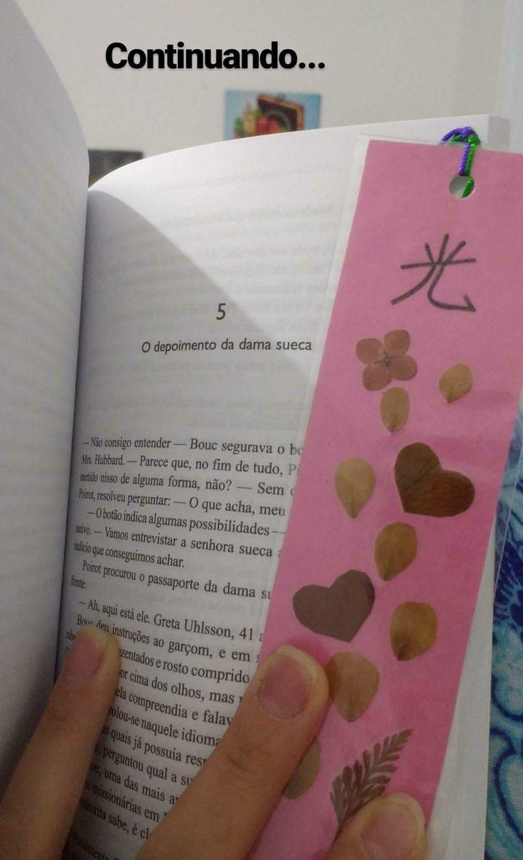 Trecho de Assassinato no Expresso do Oriente da Agatha Christie. Esse marcador fofinho eu comprei numa das baquinhas que tem na Feira da Liberdade em São Paulo.  O ideograma significa Luz.