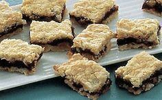 Konfektkager - består af marcipanbunde og mørk chokoladeganache - mums! Kagerne kan laves i god tid.