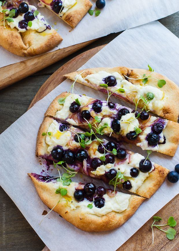 Blueberry, Feta and Honey-Caramelized Onion Naan Pizza by kitchenconfidante #Naan_Pizza #Blueberry #Feta #Honey #Onion