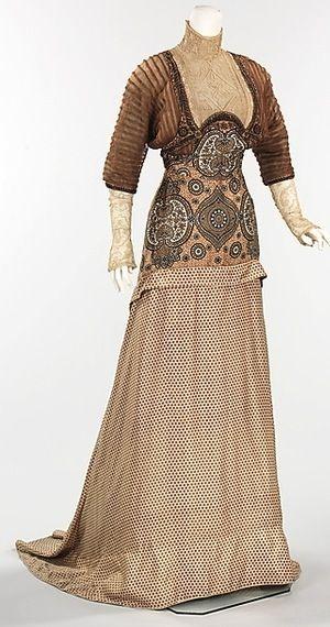 Met - 1911 evening gown.